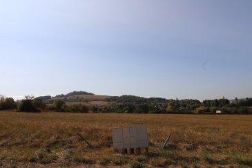 Terrain à bâtir de 657 m2.  Terrain à bâtir - Votre projet sur un terrain de 657 m2 viabilisé.  Situé dans la commune de PONT A MOUSSON proche de toutes commoditées.  Secteur ZAC DE L'EMBISE.  LOT 50.