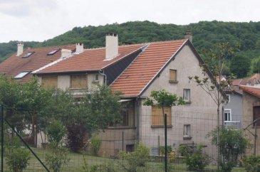 A Ars-sur-Moselle, idéalement situé, belle opportunité, petit immeuble à conforter composé de 3 appartements vacants (58+86+71 m2), chauffage gaz individuel,  grand terrain clos de 5 ares 47 ca. - Un appartement en rdc de 58 m² environ + possibilité de 14 m2 - au 1er étage un appartement de 86 m² environ offrant un accès direct jardin - dernier étage un appartement de 71 m² environ  - un garage et parking 2 voitures  Ce bien pourrait correspondre à un investisseur qui souhaite défiscaliser ou pour une grande famille.  Le prix de vente est de 212 000€, les honoraires sont intégralement à la charge du vendeur. Les prix affichés sont hors frais notariés, d'enregistrement et de publicité foncière.  Vous pouvez contacter Monsieur Bernard BOULANGER au 07 81 91 20 08, agent commercial.