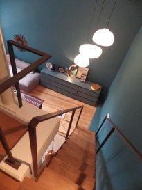 bel appartement duplex lumineux a vendre. Meublé. Très lumineux avec entrée séparée, comme une petite maison. Appartement se trouve dans la Montée de la Pétrusse