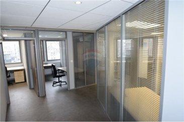 RE/MAX Select, spécialiste à Luxembourg, vous propose ce magnifique bureau meublé de +/- 146 m2 en location à 2 minutes de la gare de Luxembourg. Il est situé au deuxième étage d'une copropriété et se compose d'une petite kitchenette et d'un système d'alarme. L'intérieur a été rénové en 2016 et la façade du bâtiment l'a été en 2017. Idéal pour une entreprise ou une societé de coworking. N'hésitez pas à me contacter pour le visiter ou pour de plus amples informations.