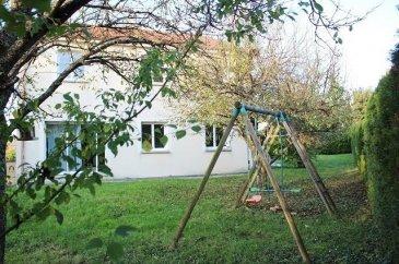 Maison individuelle à vendre F8 à Waldwisse, cadre agréable.   WALDWISSE  Proximité Luxembourg (Schengen 15km) et Allemagne (Merzig 10 km)  Maison individuelle d'environ 149 m2 habitable. Le tout sur un terrain de 7,99 ares.  Comprenant: Au RDC : Une entrée, un salon , une salle à manger donnant sur l'extérieur, une cuisine ouverte, une suite parentale avec dressing et salle d'eau (douche), un wc. Au 1er étage : Un pallier, un bureau, 4 chambres , une salle de bain (baignoire et wc).  Grand garage 2 véhicules Jardin clos sans vis à vie  Chauffage électrique Fenêtres double vitrage PVC Volets et porte de garage motorisés Maison raccordé TAL  A VOIR RAPIDEMENT  Annonce rédigé par Mme STREIT Caroline, Agent commercial enregistré au registre spécial des agents commerciaux sous le numéro 849 681 424. Tel. 07 70 82 90 66