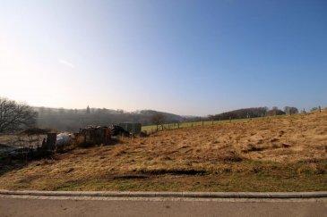 RE/MAX, spécialiste de l'immobilier au Grand-Duché de Luxembourg, vous propose à la vente à ARSDORF ( Commune de Rambrouch) ce terrain à bâtir AVEC contrat de construction pour une maison jumelée (LOT 6), située dans un nouveau lotissement très calme de +- 4,72 ares.  Ref agence :ARSDORF Lot 6