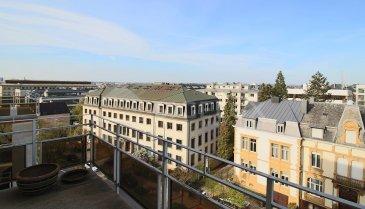 Dans la quartier de Belair , à proximité du parc , Sigelux Real Estate vous propose à la location ce grand appartement entièrement rénové en 2014 avec terrasse et balcon - vue imprenable , 3 chambres, au 5éme étage de la résidence ¨ « Elysée »  Surface habitable et de 230m2, il se compose :  - Hall d'entrée - Grand living 50m2 - Salle à manger - Cuisine équipée - Hall de nuit - 3 chambres à coucher - Dressing - Buanderie - Toilette séparée - 1 salle de bain - 1 salle de douche - 1 chambre d'appoint - Parquet et carrelage - Chauffage au gaz - Débarras - Coffre-fort - Terrasses - Un emplacement intérieur - 2 caves - 1 grenier  Disponibilité le 1ier mai  Loyer : 5800€ Charges : 230€ Garantie locative : 3 mois de loyer  Frais d'agence : 1 mois de loyer + Tva 17%