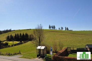 BOXHORN -  PROCHE CLERVAUX  (3 minutes) et à 10 minutes de la Collectrice Nord - 30 minutes environ de Ettelbruck et de Diekirch - EN VENTE EXCLUSIVE,  en pleine campagne pour amis de la la nature, 2 beaux terrains de 7,33 ares - 198.000€ et  8,27ares 215000€)  vue dégagée, CONSTRUCTEURS SERIEUX - VOUS POUVEZ NOUS CONTACTER - aucun renseignement par tel. seul emails avec nom complet et tel.  construction +- 150   m2 nets habitables  environ 4 ch.  2 sdb, à ajouter balcon plein sud et grande terrasse, plus  cave , garage 2 voitures,  dans le prix du terrain sont compris les  frais pour  les plans déjà établis autorisations (Commune et Ponts , Chaussées) 20.000€  - si on fait  le terrassement, excavation et dépôts d'une couche de pierre T0/50 sur 20 cm environ pour commencer la construction sans délai total environ 14.000€ en plus suivant plans B-B-B triple vitrage, panneaux solaires, etc, frais notaire, taxes, raccordements, si  vous travaillez par exemple à Mersch, Ettelbruck,  ou en Ville - transport par train depuis Clervaux  pour la signature éventuelle d'une réservation, une preuve de solvabilité est exigée au préalable POUR MEME PAS LE PRIX D'UN ARE EN VILLE - VOUS AVEZ ICI UN TERRAIN  10 x  MOINS CHER DU MOINS PAR ARE !!  EVENTUELLEMENT POSSIBLE DE FAIRE DES MAISONS INDIVIDUELLES =========================================================== vous devez alors faire une demande personnelle Ref agence :2449378
