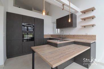 .      SOUS COMPROMIS    <br> <br> <br> Struktur Immobilier vous présente en exclusivité cet ancien corps de ferme rénové avec terrasse ( sans jardin) , idéalement située proche de la frontière. (Livrée \'prête à vivre\' en Mars 2021.)<br> <br> Alliant le charme de l\'ancien et la modernité, elle dispose d\'une surface habitable de 115 m2 et d\'un garage de 23m2, le tout sur un terrain d\'1,5 are.<br> <br> Le rez-de-chaussée comprend un hall d\'entrée, une cuisine entièrement équipée ouverte sur un salon séjour de 29 m2, une terrasse et un WC avec lave-mains.<br> <br> A l\'étage, un dégagement, une chambre parentale avec salle d\'eau privative, deux chambres, un espace bureau aménagé en mezzanine avec un garde-corps en verre, une salle d\'eau avec double vasque et wc suspendu.<br> <br> Un garage et 3 emplacements de parking extérieurs complètent cette offre.<br> <br> Les prestations : Livrée prête à vivre, Façade et toiture 2020, Chaudière gaz à condensation, double vitrage, volets électriques, BA18 haute densité, cuisine équipée (lave-vaisselle, plaque de cuisson, four, micro-onde, coin repas, hotte), adoucisseur d\'eau, porte de garage motorisée, salles d\'eau avec double vasque, robinetterie GROHE, WC suspendus...<br> <br> Plus d\'infos ou organiser une visite : 03 87 63 50 30