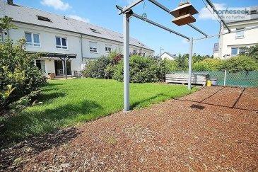 ---SOUS COMMPROMIS---<br><br><br>Homeseek-Limpertsberg vous propose en exclusivité à la vente, à Luxembourg-Cents (à proximité du Kirchberg et du Centre-Ville), cette lumineuse maison construite en 2004 avec terrasse et jardin orientés sud. Celle-ci est située dans un quartier calme et apprécié. La surface utile est de +/- 152 m² (hors sous-sol). <br><br>Cette agréable propriété de 4 chambres + un bureau vous séduira par la qualité des matériaux et équipements choisis. <br>Elle est composée comme suit :<br><br>Au rez-de-chaussée : <br>-un hall d\'entrée de 8.50m², <br>-un wc séparé avec lave-mains de 1.90m², <br>-un vestiaire de 1.35m², <br>-un agréable espace salon/séjour avec cheminée de 34m² et <br>-une cuisine entièrement équipée \