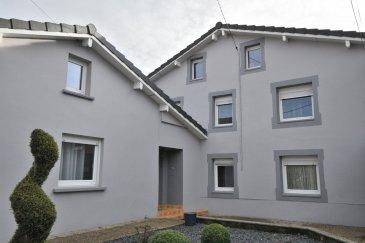 BELARDIMMO vous propose à vendre en mandat exclusif une très belle maison libre de trois côtés avec 3 chambres à coucher et avec garage et jardin, récemment rénovée:<br><br>La maison, en très bon état, située dans une rue  calme, se compose ainsi:<br><br>* Rez-de-chaussée :<br><br>- hall d\'entrée<br>- cuisine équipée semi ouverte ( 12,56 m²)<br>- salon et séjour ( 38,5 m²)<br>- salle de douche avec WC ( 5,25 m²)<br>- WC séparé<br>- chambre à coucher/bureau<br>- dressing<br>- dégagement <br> <br>* 1er étage<br><br>- palier<br>- Chambres à coucher (14,33 m²)<br>- Chambres à coucher (15,56 m²)<br><br>* Sous-sol<br><br>- buanderie<br>- cave<br>- cave à vin<br>- garage<br><br>* Combles<br><br>Viennent compléter ce bien, un jardin , une terrasse ainsi qu\'une belle et grande allée.<br>L\'accès au jardin est également possible par le côté de la maison. <br><br>La maison est située à 10 min de la frontière Luxembourgeoise Esch sur Alzette.<br><br>Pour toutes informations complémentaires, veuillez vous adresser au +352 661572502<br> <br><br><br>