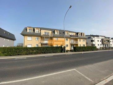 Bel appartement de 90  m2 situé au 1er étage d\'une résidence bien située à Leudelange.<br><br>L\'appartement dispose de:<br>Hall d\'entrée, grand living/salle à manger avec accès  au balcon,grande cuisine équipée, 2 chambres à coucher,  1 salle de bain + WC, 1 WC séparé, grand balcon, 1 cave, 1 emplacement intérieur et 1 emplacement extérieur.<br><br>La résidence est idéalement située et se trouve à proximité de la zone industrielle de Leudelange, du nouveau quartier de la Cloche d\'Or ainsi que du centre de Luxembourg-Ville.  Un arrêt de bus se trouve devant la résidence.