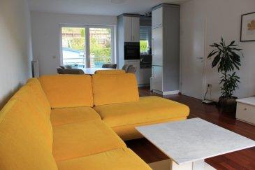 Duplex à vendre situé à Dudelange dans la route de Volmerange 73.   Il fait part d'une petite résidence de 2 appartements et un duplex.   Ce duplex qui est divisé en deux appartements indépendants.   Le premier appartement se compose d'un grand living avec cuisine équipée ouverte (33,64m2), deux chambres à coucher (12,60m2 et 10,52m2), salle de douche (6,5m2) et hall d'entrée.   Le deuxième appartement se compose d'un grand living avec cuisine ouverte (28m2), deux chambres à coucher (14,65m2 et 10,23m2), un bureau (8m2) une salle de bains (5m2) et un hall d'entrée.   Un grand grenier fait parti du duplex.