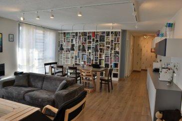 Appartement Metz 6 pièce(s) 132.25 m2. Appartement 6 pièces au centre ville de METZ ,a proximité de tous les commerces et commodités. Cet appartement familial au 2ème étage avec ascenseur est composé d\'un grand séjour lumineux , d\'une cuisine indépendante équipée , 4 chambres dont 2 ayant accès a un balcon, une salle d\'eau avec douche et lavabo , une salle de bain avec baignoire , WC séparé , une buanderie , de nombreux placards,.<br/>Une place de parking privée , et un grand espace couvert pour enfants complètent ce bien.<br/><br/>contact : Sophie HALPHEN - 06.88.14.98.85<br/>Copropriété de 27 lots (Pas de procédure en cours).<br/>Charges annuelles : 2716.00 euros.