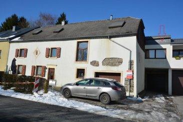 Bel appartement, sis à Boulaide, chef-lieu de la commune, à 15 km de Wiltz et proche du Lac de la Haute-Sûre, comprenant:<br>Séjour avec cuisine ouverte, débarras/buanderie, 2 chambres à coucher, salle de douche, jardin, garage.<br>libre.<br>Epicerie et coiffeur au village de Boulaide<br>Ecole fondamentale à Harlange à 6 km<br><br />Ref agence :444