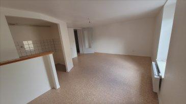 A SAISIR! Bel appartement au 1er étage avec garage comp: entrée, dégagement, cuisine équipée ouverte sur séjour, 2 chambres, salle de bain et wc.  CC Electrique