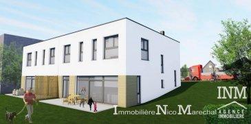 Jolie maison jumelée (Lot B droite) de +/- 202 m2 (Ecopass: BB) prochainement en construction sur un terrain de +/- 3,58 ares offrant au:<br>Rdch: hall d\'entrée spacieux (de +/- 16 m2), wc séparé, cuisine non équipée ouverte sur grand living/salle à manger (de +/- 60 m2) donnant accès à une belle terrasse spacieuse (de +/- 24 m2), jardin privatif, garage pour 2 voitures (de +/- 34 m2), emplacement extérieur devant la maison;<br>Au sous-sol: hall d\'accueil (de +/- 16 m2), cave (de +/- 18 m2), buanderie (de +/- 12 m2), débarras (de +/- 6 m2), local technique;<br>1er étage: hall de nuit (de +/- 12 m2), 4 grandes chambres à coucher (de +/- 14 à 18 m2) dont 1 chàc avec dressing séparé (de +/- 13 m2), salle de bains (de +/- 5 m2), salle de douche (de +/- 6 m2), 1 pièce espace détente/ bureau (de +/- 15 m2).<br>Situation intéressante et ensoleillée à proximités de toutes les commodités quotidiennes.<br>Clemency, dans la commune de Käerjeng se trouve à environ 30 minutes de Luxembourg-Ville et de +/- 12 min de Niederkorn.<br>Le prix affiché s\'entend HTVA sur la part constructions à réaliser.<br>GARANTIE DECENNALE.<br />Ref agence :882411