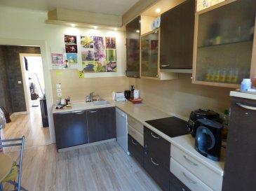 Appartement Nilvange 5 pièce(s) 93 m2 3 chamabres garage et jardin. Au 2ème et dernier étage d\'une petite copropriété de 3 appartements calme et bien entretenue,<br/><br/>Bel F5 de 93 m² offrant :<br/><br/>Hall d\'entrée avec placard, cuisine équipée indépendante 12m², salon-séjour double d\'environ 30m², 3 belles chambres parquetées 15,15 et 10 m² (1 en enfilade), wc séparée, salle d\'eau avec douche et meuble vasque.<br/>1 cave<br/>Dv pvc avec volet roulant, chauffage central au gaz<br/><br/>A l\'extérieur : garage et place de parking attenante, terrasse commune et jardinet privatif .<br/>disponible immédiatement<br/><br/>Mr Antonoff: 06-52-83-85-07 <br/><br/>