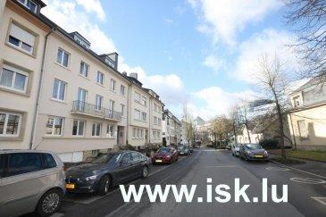 Rue Auguste Lumière 10 Appartement meublé 95 m2 au 2eme  étage d'une petite Résidence avec cuisine équipée, living, 2 chambres à coucher et salle de bains. cave DISPONIBLE 15/12/19 Ref agence :917026