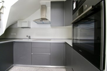 ****    VENDU    **** RE/MAX, spécialiste de l'immobilier à Rodange, vous propose ce magnifique appartement en duplex de 2 chambres au 2ème étage d'une nouvelle résidence de construction 2017, d'une surface de 96,05 m2 habitables environ,. Il se compose de la manière suivante :  - Un hall d'entrée, - Un salon-séjour donnant accès sur une terrasse de 6,49 m2, - Une cuisine ouverte et équipée, - 2 chambres à coucher, - Une salle de douche à l'italienne avec WC  - Un WC séparé. - Une cave privative attenante au garage, - Un garage privatif de 23,44 m2 environ, avec porte sectionnelle automatique. - Une buanderie commune, un local à vélo, et un local poubelle complètent cet appartement.  Cet appartement neuf est d'une qualité et d'une prestation de grand standing grâce à une sélection rigoureuse des matériaux utilisés :  Volets roulants électriques, Système double-flux, Sols en granit, Fenêtres triple vitrage, Porte palière de type blindée,  Vidéophonie. Etcà  Des panneaux photovoltaïques (solaires) sont installés sur la résidence afin de réduire la consommation de gaz.  Le prix inclus une TVA à 17%. (TVA récupérable)  A découvrir !!! Disponibilité immédiate.  CONTACT : MICHAEL CHARLON au 621 612 887 ou par Mail : michael.charlon@remax.lu Ref agence :5095928