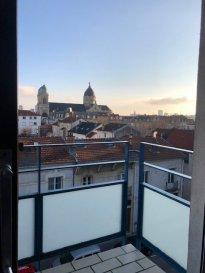 1 pièce - 30m2.  Appartement situé au 4ème étage d\'un immeuble avec ascenseur situé rue de cronstadt à Nancy. Il comprend une entrée avec placard, une pièce principale avec balcon, une cuisine séparée, une salle de bain, WC. Un emplacement de stationnement. Chauffage collectif au gaz.<br>