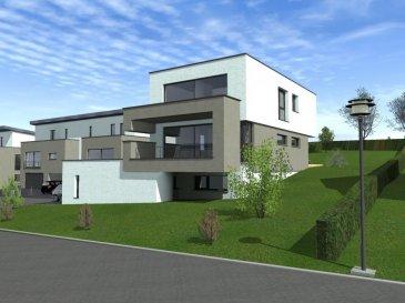 RE/MAX, spécialiste de l'immobilier au Grand-Duché de Luxembourg, vous propose à la vente une maison en future construction, située à RODENBOURG (Commune de Junglinster) dans un nouveau lotissement, sur un terrain de +- 6,87 ares et comprenant:   Au rez-de-chaussée : un garage pour 2 voitures, une grande chambre à coucher, une salle de douche, une buanderie,  une chaufferie et un hall  Au rez-de-jardin : une cuisine ouverte sur salle à manger, une baie vitrée donnant accès à la terrasse,  un grand salon avec accès à une seconde terrasse, une réserve, un WC séparé et un hall  A l'étage : deux chambres à coucher, une belle suite parentale avec une salle de douche, une salle de bains, un WC séparé et un hall   TVA taux réduit : prix TVA 3% applicable jusqu'à maximum 357142€ sous réserve d'approbation du dossier par l'administration fiscale et dans les limites de l'avantage fiscal autorisé par la loi, et TVA 17% applicable sur le solde du prix.  Ref agence :Rodenbourg