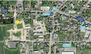 NEY Immobilière vous présente en vente un studio (1-05) à 48,71m2 au 1er étage de notre nouvelle résidence SIENNA à Capellen, il sera composé comme suit: hall d'entrée, cuisine ouverte sur le séjour, salle de douche, débarras, balcon, 1cave et 2emplacements intérieurs. La résidence « SIENNA » se situe à Capellen, 12, rue Carlo Gausché (lotissement « Zolwerfeld II »). Capellen fait partie de la commune de Mamer et se trouve près de la frontière belge entre Luxembourg-Ville et Steinfort. La résidence sera implantée sur un terrain de 9,54 ares. ENVIRONS La commune est entourée de Strassen, Bertrange et Windhof. Plusieurs restaurants, deux supermarchés, une pharmacie, une boulangerie et d'autres commodités se trouvent à proximité directe du lotissement. Différentes entreprises et grandes surfaces se sont installées dans le parc d'activités de Capellen et au sein de l'« Ecoparc Windhof ».  Le parc « Brill » à Mamer est équipé du pavillon « Am Parc Brill », de diverses aires de jeux pour enfants, d'un mini-stade, d'un terrain de basketball, des tables de ping pong et d'un skate parc. Le site « Op der Drëps » est un lieu de loisir à la lisière de la forêt communale et aux alentours de la « Thillsmillen ». Le centre culturel « Kinneksbond » à Mamer propose un programme musical et artistique et les centres commerciaux « La Belle Etoile » et « City Concorde » se trouvent à 12 respectivement 15 min. Le centre aquatique « Les Thermes » à Strassen/Bertrange est situé à 12 min. et invite à passer un moment de détente dans son espace Wellness.  MOBILITÉ La gare ferroviaire de Capellen se trouve à seulement 1 km, la ligne 50 des CFL relie Luxembourg à Arlon et desserve la gare de Capellen. L'arrêt de bus « Klouschter » qui se trouve à quelques pas est fréquenté par un grand nombre de lignes de bus permettant une connexion jusqu'au Kirchberg, Luxembourg, Steinfort, Eischen, Ell, Keispelt, Saeul, Tuntange etc. L'accès autoroutier à l'A6 se trouve à Mamer et permet une connexion au ré