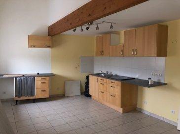 Location Marspich - F3 duplex derniers étage  72.51 m2 entée, cuisine équipée,  salon 2 chambres,1 salle de bains, 2 wc , DV PVC  Chauffage électrique  Parking à proximité  Loyer: 550 euros Charges : 60 euros ( électricité des communs , TOEM, eau froide, ménage communs )  Disponible août 2021  Visite virtuelle sur demande  Honoraires 600 € Dépôt de garantie 550 €  Renseignements AS IMMOBILIER 07 61 27 50 82/ 06 19 98 21 23  CDI obligatoire   Cette annonce a été rédigée sous la responsabilité de Mme GUERY Pascale, agent  commercial mandataire de l'agence AS IMMOBILIER,  inscrite au R.S.A.C. de Thionville (57100) sous le numéro 497 893 982