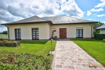 *** VENDU*** Belle maison sise à Binsfeld, construite en 1994, d\'une surface habitable de 140 m2 et d\'une surface totale de +- 350 m2,  érigée sur un terrain d\'une superficie de 12,69 ares. Divers travaux de rénovation ont été effectuer en 2015 comme par exemple travaux de peinture intérieurs et extérieurs (façade), installation d\'une nouvelle salle de bains, aménagement d\'un dressing et recouvrement de divers sols.  DESCRIPTION:  SOUS-SOL: (160 m2) - 1 double garage (+-38,25 m2) pour 2 voitures avec fosse (profondeur 1,70 m) - 1 garage (+- 19,24 m2) pour 1 voiture - WC séparé (+- 1,90 m2) - chaufferie et cave (+- 26 m2) - atelier et buanderie (+- 29,64 m2) - cave à provisions (+- 6,48 m2) - 4 emplacements extérieurs  REZ-DE CHAUSSEE: (140 m2) - Hall d\'entrée avec vestiaire et WC séparé - cuisine équipée individuelle (+-12,39 m2)avec accès direct sur terrasse  - débarras (3,48 m2) - salon et salle à manger (+-30,41 m2)donnant directement sur terrasse et équipé d\'un poêle à bois - bureau (+- 6,76 m2) - chambre à coucher (+- 14,06 m2) - chambre à coucher (+- 14,25 m2) - chambre à coucher équipée d\'une grande armoire dressing (+-12,96 m2) - 1 salle de bains équipée d\'une douche italienne, WC et double lavabo (+- 9,06 m2) - terrasse (+- 21,46 m2) avec accès par des escaliers vers le jardin  COMBLES: (+-50 m2) - grenier entièrement aménageable  EXTERIEURS: - cours arrière  - 4 emplacements extérieurs - jardin  ASPECTS TECHNIQUES: - construction en bloc bisotherm - chaudière à mazout - toiture recouverte d\'ardoises naturelles - fenêtres en bois double vitrage - façade isolée côté pluie - installation alarme avec caméra de surveillance - sols recouverts partiellement en pierres naturelles de Solnhofen et en parquet en bois massif - menuiserie intérieure en chêne massif  SITUATION GEOGRAPHIQUE :  BINSFELD est un petit village pittoresque au nord du pays à 5 minutes de Troisvierges et à 5km de Weiswampach avec toutes ses commodités souhaitées (chemins de fer, centr
