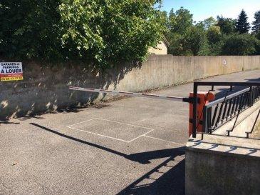 à louer 3 places de parking en extérieur avec (barrières automatiques et télécommandes situé à Montigny les Metz dépôt de garantie 35Euro(s) frais d'agence 35Euro(s) disponible de suite Contact par téléphone au 06 85 13 13 57