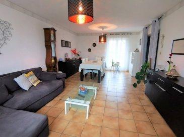 A Voir ! Charmante maison individuelle de 84 m² a l'espace de vie et 84m² au sous-sol, le tout sur 6Ares 49 ca de terrain, dans un joli quartier de Mancieulles (Val de Briey 54150).  Composé a l'espace de vie : -d'une entrée avec placard de rangements -d'un grand salon séjour de 28m²   -d'une cuisine d'env. 10m² (mur non porteur entre la cuisine et le séjour) -d'une salle de bain avec baignoire -de trois chambres (9.26m², 9.82m² et 11.13m²) -d' un wc séparé  Au sous-sol : -d'un grand garage pour deux voitures -d'une buanderie (possibilité d'y aménager également une cuisine d'été) -d'une grande pièce pouvant servir d'atelier, pour rangements divers ou comme  espace de loisir  grande terrasse et jardin complètement clôturé d'env 5 Ares (vous y trouverez des mûres, groseilles, framboises, kiwi, plantes aromatiques, un pommier, un noyer, un noisetier, un prunier et un petit mirabellier)  Chaudière - cuve- volets motorisés et fenêtres double vitrage PVC :  changés en 2014  Taxe foncière : 914 Euros / An   Frais d'agence a charge vendeur Mandat exclusif
