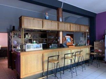 Contactez directement Davy au 621 409 333   FOND DE COMMERCE IDEALEMENT SITUÉ SUR LA ROUTE PRINCIPALE DE RODANGE.  Disponible immédiatement, ce fond de commerce se compose d'un local de bar, d'une terrasse et d'un appartement. L'appartement peut se louer 1200 euros   Le local commercial se compose d'une salle principale avec bar de 44m2, une cuisine de 2018 avec fenêtre, une pièce à l'arrière du bar de 12m2, deux urinoirs, une toilette, une grande cave de 31 m2.  Dans le fond de commerce est compris: la cuisine entièrement équipée (20 000euros), le bar, la vaisselle, une grande table, 2 congélateurs, un frigo à bouteilles etc.  Egalement du stock de boisson   Charges: 3270 euros avec eau et gaz  Contactez directement le 621 409 333  Ref agence :4921691-HB-RD