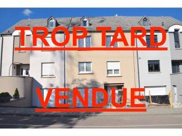 L'agence IMMOLORENA Lux sarl de Pétange a choisi pour vous une très belle maison mitoyenne de 160 m2 habitables construite en 1990, insérée sur un terrain de 2,28 ares, située à Belvaux dans une très jolie rue, à proximité de toutes commodités, aires des jeux, commerces, écoles, maison relais, etc.  La maison se compose comme suit:  REZ DE CHAUSSEE:  - Un hall d'entrée de 7,63 m2 - Un magnifique garage pour deux voitures de 32,71 m2 - Une cave de 16,10 m2 - Un débarras de 3,11 m2  PREMIERE ETAGE:  - Hall de 8,44 m2 - Cuisine séparée, toute équipée de 21,39 m2 - Double living de 28,88 m2 donnant accès à la terrasse 16,10 m2 - Un magnifique WC sépare de 2,54 m2 - Débarras de 1,91 m2   DEUXIEME ETAGE:  - Un hall d'escalier de 9,44 m2 - Une chambre de 17,48 m2 avec dressing de 5,60 m2 - Salle de jeux de 5,55 m2 - Deuxième chambre 10,90 m2 avec dressing de 10,49 ,2 - Salle de bain avec 7,19 m2  GRENIER: Magnifique grenier aménagé en appartement composé comme suit: - Un hall de nuit faisant 8,18 m2 - Une chambre de 8 m2 - Un bureau de 5,78 m2 - Salle de douche de 5,40 m2 - Débarras de 1,71 m2    CARACTERISTIQUES DE LA MAISON:  - Fenêtres triple vitrage avec volets électriques et porte d'entrée de l'année 2018 - Façade de l'année 2016 - Nouvelle cuisine installée en 2015 - Chaudière à condensation de la marque VIESSMANN de l'année 2012  - Toutes les portes intérieurs de l'année 2018  - magnifique jardin avec pelouse  3% du prix de vente à la charge de la partie venderesse + 17% TVA Pas de frais pour le futur acquéreur   Pour tout contact: Joanna RICKAL: 621 36 56 40 Vitor Pires: 691 761 110 Kevin Dos Santos: 691 318 013  L'agence Immo Lorena est à votre disposition pour toutes vos recherches ainsi que pour vos transactions LOCATIONS ET VENTES au Luxembourg, en France et en Belgique. Nous sommes également ouverts les samedis de 10h à 19h sans interruption.