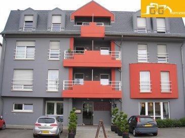 Bel appartement au 3ème étage d'une résidence calme avec ascenseur à Roeser.  Ce bien se compose de :   - 1 spacieux living de 28 m2 - 1 grande cuisine équipée avec accès au balcon  - 1 grande chambre à coucher de 14 m2 - 1 balcon de 2m2 - 1 salle de bains avec baignoire, WC et buanderie - 1 WC séparé - 1 hall d'entrée  - 1 grande cave privée de 6m2 - 1 grand garage privé  - Libre 01.12.2018  À proximité directe de Luxembourg Ville, proche des transports publics et commerces.   N'attendez plus, contactez-nous par mail sur info@gng.lu ou au 621 366 377.  Découvrez toutes nos offres sur www.gng.lu