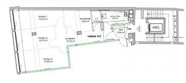 A LOUER  - METZ CENTRE VILLE  Dans une copropriété, au 4e étage,  LOCAL COMMERCIAL ou BUREAUX, d'une surface de 77 m2 avec sanitaires et climatisation. Local technique pour baie de brassage. Chauffage par pompe à chaleur.  A aménager selon son goût.  Accès ascenseur, entrée indépendante,  digicode. Charges comprenant: avances sur charge de copropriété, quote-part de taxe foncière et ordure ménagère, contrat entretien de la climatisation. En sus, Eau, électricité et consommation pompe à chaleur.  Idéal pour installer son activité. TRES LUMINEUX. Loyers exprimés en hors taxes.  A VISITER.  Agence ne percevant pas de fonds.