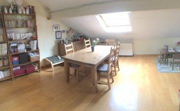 appartement F5 de 60 m2 sous combles metz montigny.  bel appartement mansardé, dans une petite copropriété : il fait 110 m2 au sol et 60 m2 carrez : il possède 3 chambres, un salon -séjour et une kitchenette largement éclairée ; On profite à cet étage no 3 d'une très faible facture d'électricité, d'un calme apréciable car l'hyper centre de Metz n'est qu' à 10 minutes à pied ; Une cave privative de 23 m2 et une cour partagée termine ce beau bien situé 1, rue des loges sur montigny les metz ; Contactez Stéphane Legendre pour une visite au : 06 64 54 93 62 ; Visitez notre site : www.lccimmobilier.fr