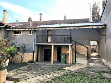 Au calme d\'un charmant village à 10 km de Pagny-sur-Moselle, maison de plain-pied composée d\'un hall d\'entrée, une cuisine, un salon, une salle à manger avec sur une grande terrasse, une salle de bain, un wc, deux chambres, sous-sol complet le tout sur un terrain de 4,53 ares. <br />AGENCE AGORA BRIEY 03 82 20 25 26