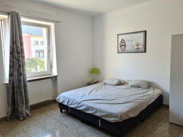 Au c½ur du quartier de Gasperich, et à 2 pas de la CLOCHE D\'OR, de MERL, de BELAIR et de la GARE, A LOUER BELLE ET GIGANTESQUE CHAMBRE MEUBLEE de 19 m².<br><br>TOTALEMENT RENOVEE, cette chambre offre :<br>- un équipement complet : 1 lit double complet, armoire-penderie, TV, linge de lit, luminaires?<br>- accès à une cuisine équipée commune<br>- accès à une salle de douche avec WC à partager<br>- WIFI inclus.<br><br>Chaque locataire peut S\'INSCRIRE OFFICIELLEMENT À LA COMMUNE COMME RÉSIDENT à Luxembourg.<br><br>+ Loyer toutes charges comprises : 900 EUR/mois<br>+ Caution : 900 EUR<br>+ Frais d\'agence : 1053 EUR TTC<br>+ Disponibilité : immédiate<br><br>Selon l\'occupation du moment, l\'agencement et la surface de chaque chambre peut changer légèrement et nous pouvons disposer d\'une ou plusieurs chambres à louer.<br><br>A VISITER SANS HESITER !<br><br>Proximité à pied de toutes commodités, cette chambre est idéalement situé à 2 pas de :<br>- Cloche d\'Or, Gare de Luxembourg Ville, Merl, Belair,<br>- Autoroutes A3, A6, A4 et A1<br>- Arrêt de bus : lignes 2 / 23 / 90<br>- Commerces de quartier (boulangerie, boucherie, épicerie, ?), Poste, Banques, stations-essence,<br>- Supermarchés (AUCHAN, COLRUYT?),<br>- Bars, Cafés et Restaurants (pizzeria, ?)<br>- Parc, infrastructures et clubs de sport,<br>- Médecins, Kinésithérapeutes?<br>