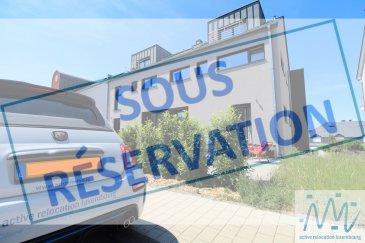 ***SOUS RESERVATION*** ''active relocation luxembourg'' vous propose en location une spacieuse maison d'une surface totale d'environ 200 m², construction 2018, situé à Contern.   La maison jumelée se compose au rez-de-chaussée d'un hall d'entrée, d'une jolie cuisine équipée ouverte avec accès sur terrasse (22m²) et jardin, d'un grand séjour, d'une pièce qui pourra servir comme chambre d'appoint ou bureau et d'une salle de douche avec WC.   La 1ère étage propose un grand hall de nuit, une chambre (11m²), une salle de bain, une grande chambre (20m²) avec espace dressing + une autre chambre (16m²) aussi avec espace dressing et coins bureau.   Au 2ème étage vous trouverez un hall de nuit, un WC séparé, une salle de douche, un grand séjour ou espace loisirs ou 5ème chambre (42m²) avec accès sur une terrasse (6m²) + balcon (3m²)   Le sous-sol dispose de 2 caves, buanderie, chaufferie et  un double garage complètent ce niveau.  Loyer: 3.350,00€ Avances sur charges: 200,00€ Disponibilité: fin Décembre (à convenir)   11km de Luxembourg, 7km de Hesperange   Lignes de bus desservant ce lieu: N°163 Luxembourg Ville - Verlorenkost - Hamm - Sandweiler - Contern - Moutfort - Medingen N°164 Luxembourg - Medingen N°165 Howald (P&R Sud) - Contern - Medingen N°425 Remich - Stadtbredimus - Mersch N°720 Contern Village/Contern ZI - Sandweiler Gare  Si vous pensez vendre ou louer votre bien, active relocation luxembourg est à votre service pour vous conseiller au mieux et vous faire profiter de toutes ses compétences en vue de commercialiser votre bien de manière professionnelle et rapide.  +352 270 485 005 info@arlux.lu www.arluximmo.lu
