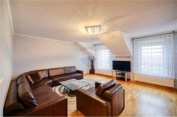 RE/MAX Luxembourg vous propose à la vente cette maison de rapport idéale pour investisseur ou plusieurs familles. Elle dispose d'un studio au rez de chaussée actuellement loué.  Au premier étage d'un grand appartement qui se compose de 2 grandes chambres de plus de 13 m² chacune, un salon/salle à manger de plus de 41 m² avec cuisine équipée donnant sur une belle terrasse à l'arrière du bâtiment et une belle salle de bain.  Au deuxième étage se trouve un appartement de 3 chambres avec 2 salles de bain. Avec cuisine ouverte sur un bel espace salon / salle à manger.  La maison repose sur un Terrain avec un chalet de 3,87 ares. Vous disposez également d'un garage. Les compteurs eau et électricité sont séparés.