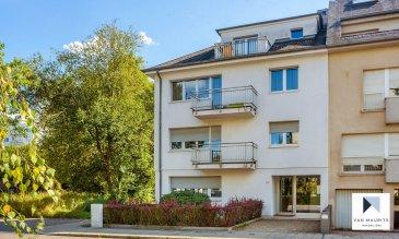 *** SOUS COMPROMIS *** SOUS COMPROMIS *** SOUS COMPROMIS ***  Situé à Bonnevoie, cet appartement au 2ème étage d'une petite résidence construite en 1980 se compose comme suit : Un hall d'entrée ± 9 m² incluant débarras et vestiaire et desservant le séjour ± 37 m² prolongé d'un balcon ± 4 m² orienté nord, la cuisine ± 9 m² bien équipée, deux chambres de ± 13 et 16 m² avec accès au balcon orienté sud ± 4 m², une salle de bain ± 5 m² (baignoire, lavabo) et enfin, un wc séparé ± 2 m². Une cave d'environ 7 m² ainsi qu'un garage extérieur en box fermé ± 16 m² complètent ce bien.  Détails complémentaires :  - Libre de locataire à la fin du mois de décembre 2019 ; - Appartement dans son état d'origine, carrelage et salle de bain à rafraîchir ; - Double vitrage, châssis alu (2002) ; - Porte sécurisée ; - Buanderie/lingerie commune ; - Bonne situation géographique avec accès à toutes les facilités.