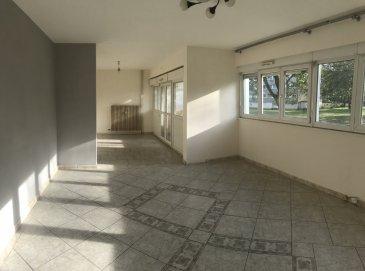 Bel appartement F5 de 88m2 dans résidence .  Appartement de 88m2 au premier étage d\'une résidence calme situé au clos des graviers<br> Le bien comprends :<br> - Une entrée<br> - une cuisine équipée attenante au cellier<br> - un salon séjour spacieux et très lumineux<br> - un toilette séparé<br> - une salle de bain<br> - buanderie<br> - 2 chambres<br> - 1 espace bureau<br> Le bien bénéficie d\'un bel ensoileillement. Balcon, cave et place de garage privative.<br> Appartement dans un bon état général, pas de travaux à prevoir sauf aménagement / décoration.