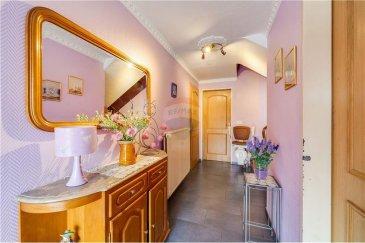 Veuillez contacter Mathieu Bossennec pour de plus amples informations :  - T : 661 521 730 - E : mathieu.bossennec@remax.lu  REMAX, Spécialiste de l'immobilier à Bascharage, vous propose cette maison de 3 chambres, avec garage et jardin.  Elle se compose comme suit :   Au rez-de-chaussée :  - Une chambre - Une deuxième chambre - Un garage  Au 1er étage :  - Un séjour de près de 30 m². - Une salle de bain. - Un WC séparé. - Une troisième chambre. - Une cuisine équipée et séparée. - Accès au jardin.  Elle possède une terrasse ainsi qu'un jardin de plus de 2 Ares.  La maison peut être agrandie.  Les frais d'agence sont à la charge des vendeurs.