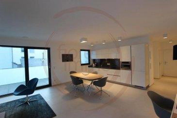 Nous avons le plaisir de vous proposer un un bel appartement en location, d'une surface d'environ  64m2, meublé et entièrement équipé, il se compose comme suit:  - Cuisine équipée ouverte sur living et salle à manger ; - 1 Chambre ; - Salle de douche avec toilette ; - Terrasse meublée d'environ 8m2 ;  - Buanderie équipée (lave linge/sèche linge) - Garage et cave en option.  Prix locations : 1 mois : 2.400EUR 2/6 mois : 2.300EUR > 7 mois : 2.200EUR Parking : 150EUR  Charges comprises (service de nettoyage, électricité, wifi, télévision...)  Frais d'agence à la charge de la partie Locataire : 1 mois de loyer + 17% TVA.   Pour plus de renseignements, veuillez contacter l'agence.<br />Wir haben das Vergnügen, Ihnen eine schöne Wohnung zu vermieten, mit einer Fläche von ca. 64m2, möbliert und komplett ausgestattet, es besteht wie folgt:  - Offene Küche mit Wohnzimmer und Esszimmer; - 1 Zimmer; - Duschraum mit Toilette; - Möblierte Terrasse von ca. 8m2;  - Ausgestatteter Waschraum (Waschmaschine/Wäschetrockner) - Garage und Keller.  Einschließlich Nebenkosten (Reinigungsservice, Strom, WLAN, Fernseher usw.)  Agenturkosten zu Lasten des Mieterteils: 1 Monat Miete + 17% MwSt.   Für weitere Informationen wenden Sie sich bitte an die Agentur.<br />We are pleased to offer you a beautiful apartment for rent, with an area of about 59m2, furnished and fully equipped, it consists as follows:  - Kitchen equipped open to living and dining room; - 1 House; - Shower room with toilet; - Terrace of about 11m2;  - Equipped laundry (washing machine/dryer) - Garage and cellar optional.  Rental prices : 1 month : 2.400EUR 2/6 month : 2.300EUR > 7 month : 2.200EUR Parking : 150EUR  Charges included (cleaning service, electricity, wifi, television...)  Agency fees payable by the Tenant : 1 month's rent + 17% VTA.  For more information please contact the agency.