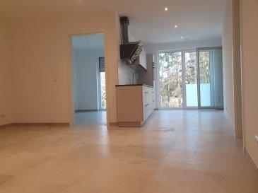BELARDIMMO vous propose à louer un nouvel appartement avec 2 chambres à coucher, cuisine équipée, balcon/loggia et emplacement voiture à Mondorf-les-Bains.<br><br>L\'appartement (1er étage) se trouve à l\'arrière d\'une résidence de 7 unités et il se compose ainsi :<br><br>- hall d\'entrée avec placards intégrés<br>- cuisine équipée ouverte sur séjour avec accès balcon<br>- 2 chambres à coucher  dont une avec accès balcon<br>- salle de douche avec wc<br>- WC séparé <br><br>Viennent compléter ce bien, une cave ainsi qu\'un emplacement voiture intérieur.<br><br>L\'appartement se situe à l\'arrière d la résidence et bénéficie ainsi d\'une grande tranquillité.  <br><br>La résidence dispose d\'un ascenseur, d\'une buanderie commune ainsi que d\'un local poubelles; elle se situe très proches des arrêts de bus, mais également de tous commerces et écoles.<br><br>Pour toutes informations complémentaires veuillez vous adresser à Monsieur Belardi au +352 621367853.    <br><br>  <br><br>