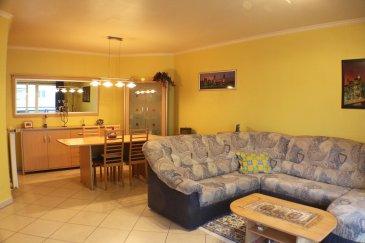 LUXEMBOURG-CENTS 437.000 Euros.  Découvrez ce bel appartement spacieux d'une surface habitable de +-70m2 au 2ième étage d'une résidence récente de 2002.  L'appartement dispose d'un hall d'entrée avoir coin débarras encastré, 1 grande chambre à coucher (+-16,75m2), 1 salle de douche (+-6m2), 1 cuisine équipée avec coin petit déjeuner (+-8,70m2), living-salle à manger (+-27,50m2) avec accès balcon (+-8,80m2).  Au sous-sol se trouve une cave privative, un local vélo et local poubelles.  Situation idéale à 5 minutes de Luxembourg-ville et Kirchberg, proche des axes autoroutières, arrêts de bus, trains, pharmacie, médecins...  Absolument à découvrir!   ***HERBY IMMO = MEILLEURS PRIX DU MARCHE***   (Herby Immo vous garantit le prix d`achat le moins cher du marché)
