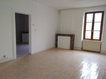 Appartement comprenant entrée avec remise, cuisine, séjour, 2 chambres, salle de bains et toilettes séparés
