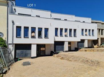 Belle maison à Tétange, d'une architecture contemporaine érigée sur un terrain de 5.34 ares aux finitions luxueuses d'une surface totale de 224.76m2, dont une surface habitable net de 184.12m2.  Elle se compose en rez-de-chaussée : - d'un hall d'accueil (+/-8.12.m2), - couloir (+/-8.44m2), - bureau/buanderie ou cave (17.87m2) - avec accès au jardin privative, cave/buanderie (5.13), - chaufferie (+/-4.44m2) et - une garage avec deux emplacements intérieurs (40.64m2).  Au premier étage : - living spacieux et lumineux, salle à manger et une cuisine ouverte (total +/-60m2), - un bureau (+/-9.9m2), - couloir (+/-5.15m2)  Au deuxième et dernier étage : - chambre parental (+/-14m2) avec salle de douche (3.32m2) et accès au terrasse (+/-11.25m2) - deux chambres (11.18 + 11.18m2) avec accès au terrasse - salle de bain (7.56m2) - couloir (3.10m2)  Caractéristiques: chauffage au sol, panneaux solaires, ventilation double flux, triple vitrage, volets électriques, revêtements de sols et sanitaire au choix du client.  N'hésitez pas à nous contacter pour tout complément d'information.  E-Mail: info@fn-promotion.lu GSM: +352 621 139 988