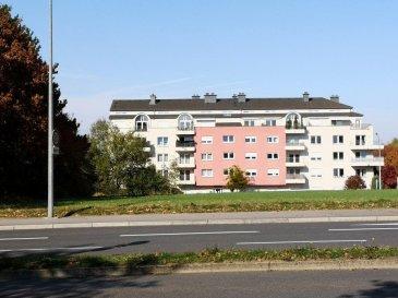 !!!!!!!!!!!Coup de Coeur Garantie!!!!!!!!!!!  Grand appartement (59m2) orienté vers l'Ouest avec ascenseur , situé à Kirchberg, a proximité de l'école Européenne ,des banques et des instituts Européenne, donnant sur une vue verdoyante et très calme.   Cet appartement se compose comme suit :   -Hall d'entrée avec placard intégré.  -Cuisine entièrement équipée ouverte.  -Grand Living / Salle à manger avec grand balcon (11,5m2).  -Grande chambre à coucher accès au balcon. -Salle de bain.  -WC séparée.  -Cave (6m2).  -Buanderie.  -Place parking intérieur.  -Vidéophonie.  -Charges mensuelles  /- 160 EUR.   Pour plus de renseignements ou une visite (visites également possibles le samedi sur rdv), veuillez contacter le 661 791 504.
