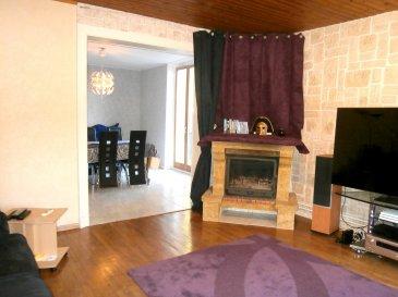 A Gorcy, au calme, maison jumelée de 130m² habitables avec 4 chambres dont une de plus de 40m² au sol, endroit idéal pour une suite parentale ou un espace adolescent.  Le rez-de-chaussée se compose d'un salon/séjour de 35m² avec accès sur l'extérieur et d'une cuisine donnant sur une terrasse couverte. Au premier niveau se trouvent 3 belles chambres (une de 12,9 et deux de 14,7m²), une salle d'eau avec carrelage intégral et un WC séparé. Le dernier étage a été aménagé et isolé, et offre un superbe espace rempli de charme et de potentiel. Cave au sous-sol avec chaufferie sur environ 18m².  Terrain de 3 ares, sans vis-à-vis avec possibilité d'aménagement (car-port ou garage, espace pelouse..).  Très bonne isolation (DPE proche du C), DV PVC, chauffage au gaz De Dietrich de 2005, assainissement conforme, toiture remaniée en 2016.   A visiter sans tarder avec 3G Immo !  Le prix inclut nos honoraires Pour tous renseignements : Grégory Lambermont : 06.42.85.79.02  François Lambermont : 06.23.51.05.74  www.lambermont-immo.com  www.3gimmobilier.com/lambermont  Mandataires indépendants du réseau 3G Immo Consultant immatriculés au RSAC de Briey N°524 212 917 et N°791 005 580