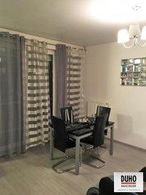 Thionville : appartement de type F3 de 67,47 m² situé au 2ème étage desservi par ascenseur.<br>Deux chambres, séjour, cuisine, salle de bains, balcon.<br>Cave - box.<br>Appartement disponible au plus tard le 1er juillet 2017.<br>4,70 % d\'honoraires inclus à la charge de l\'acquéreur.<br />Ref agence :1982