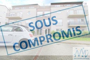 ***SOUS COMPROMIS*** ''active relocation Luxembourg'' vous propose ce spacieux et lumineux appartement-penthouse de 102m2 situé au 3ème et dernier étage d'une résidence récente (2008) et bien entretenue à Frisange avec tous les commerces à proximité immédiate et l'accès rapide vers la Ville de Luxembourg et l'autoroute.  Celui-ci comprend un hall d'entrée avec WC séparé, une belle cuisine équipée ouverte sur le séjour aux larges baies vitrées permettant accès à la 1ère terrasse de 20m², la partie nuit est composée de 3 chambres ayant toutes accès à la 2ème terrasse de 20m², une salle de bain avec WC, une salle de douche.  Une des terrasses est munie d'un débarras de 6m² permettant le stockage des meubles extérieurs durant l'hiver. Une cave et un emplacement de parking intérieur complètent ce bien à visiter sans tarder. Disponibilité immédiate. Aucun travaux à prévoir dans l'appartement ni dans la copropriété.  Avances charges mensuelles actuelles : 250 euros  Si vous pensez vendre ou louer votre bien, ''active relocation luxembourg'' est à votre service pour vous conseiller au mieux et vous faire profiter de toutes ses compétences en vue de commercialiser votre bien de manière professionnelle et rapide.  +352 270 485 005 info@arlux.lu www.arluximmo.lu