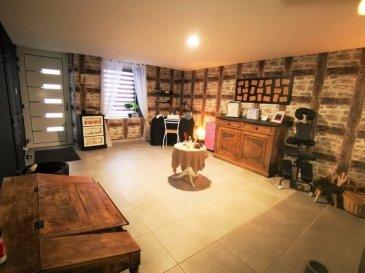 UNIQUE, une EXCLUSIVITE GL PROMOTION, a visiter sans tarder, Charmante et chaleureuse maison, alliant l'ancien et le moderne rénové en 2019 d' env. 140 m², avec grange attenante de 130m²  Composée au RDC :  D'une grande entrée de 17m², D'une magnifique cuisine équipée de 37m² d'une valeur neuve de plus 12000 Euros ouverte sur l'espace séjour avec accès a la terrasse. D'un joli salon de 15m², D'une buanderie de 5m², D'une salle de bain de 12m² avec grande douche italienne avec accès des deux cotés, meuble double vasque. D'un WC séparé.  Au premier étage : Un grand hall, 4 chambres ( 22m², 18m², 17m² et 15m²) D'un espace de 14m² pouvant servir de 5ème chambre ou de salon privé, de dressing, de bureau, ou espace détente.  AU 2 ème étage ; combles aménageables.  Terrasse de 35m² et jardin complètement clôturé de 50m².  LES PLUS DE CETTE MAISON :  - Cette maison dispose d'une grange de 130m² complètement rénovée et aménagée en garage 3 voitures, espace de détente loisir, atelier avec son propre accès. Ainsi que 130m² a l'étage.  - Chauffage au sol par Pompe a chaleur électrique, ainsi qu'une chaudière au Fioul et cheminée a bois. - Electricité complètement rénové avec Consuel. - TV et internet dans chaque pièce. - Fenêtres PVC neuves.  A 8 Km d'Audun le Roman, à 9 Km d'Aumetz, à 20 Km d'Esch sur Alzette.  MANDAT EXCLUSIF. FRAIS D'AGENCE A CHARGE VENDEUR. PHOTOS COMPLEMENTAIRES SUR DEMANDE. VISITE VIRTUELLE SUR DEMANDE.