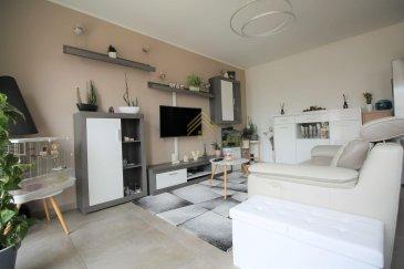 Real G Immo, vous présente en exclusivité ce bel appartement avec une surface habitable de +/- 68 m² situé à Rumelange.<br><br>Celui-ci se compose comme suit:<br><br>- Hall d\'entrée désservant toutes les pièces de l\'appartement, <br>- Une cuisine équipée ouverte sur le living,<br>- Un wc séparé,<br>- Une salle de douche,<br>- 1 chambre à coucher,<br>- un bureau ou chambre d\'enfant, <br><br>A ce bien s\'ajoute une cave privative ainsi qu\'un emplacement parking intérieur. <br><br>Pour plus de renseignements ou une visite des lieux (également possibles le samedi sur rdv), veuillez nous contacter au 28.66.39.1. <br>